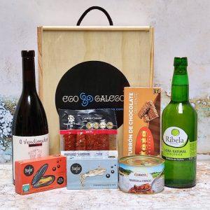 Moreira. Lote de Navidad de productos elaborados en Galicia